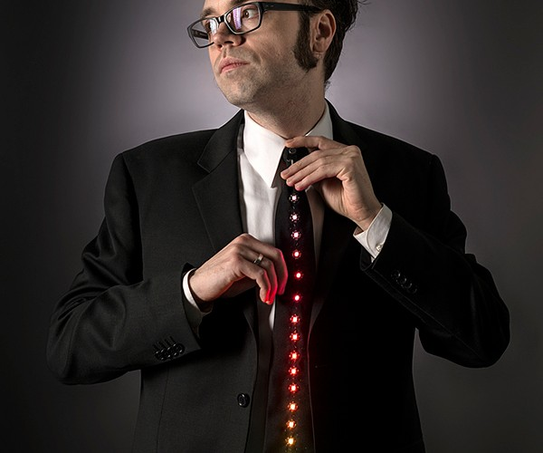 LED Ampli-tie: Daft Punk Formal