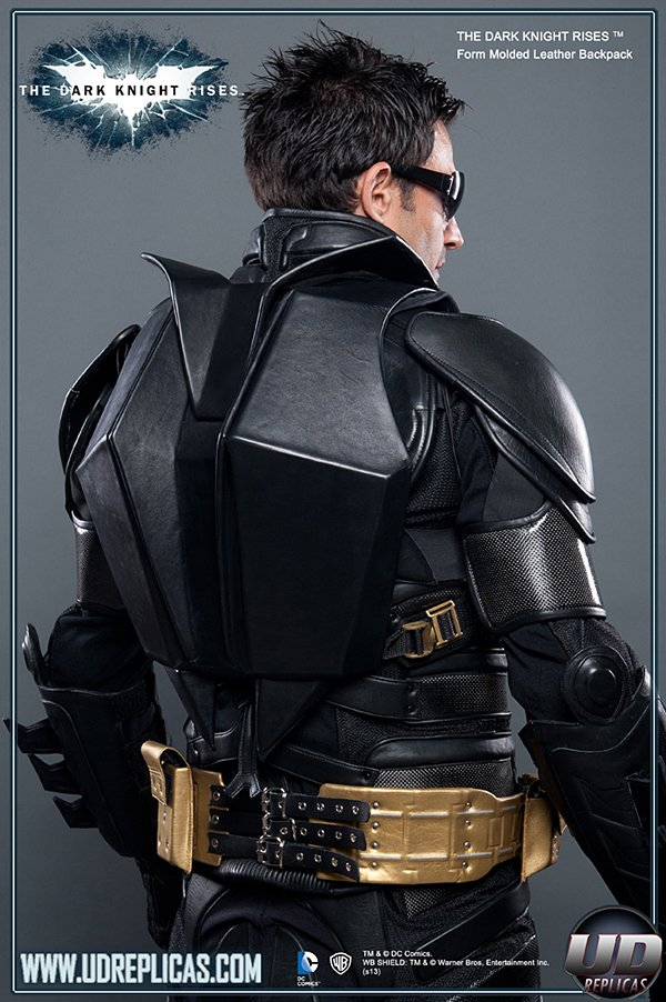 batman-backpack-by-udreplicas