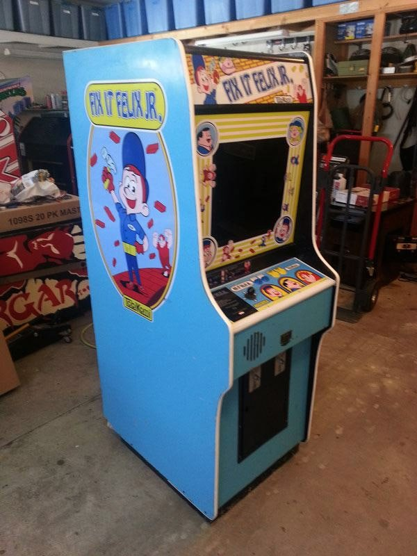Fix It Felix Jr Arcade Machine Actual Fix it Felix Ma...