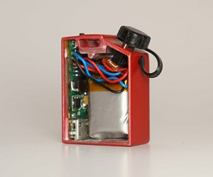 fuel-jerry-can-micro-usb-charger-by-devotec-industries-3