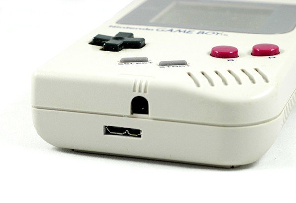 game-boy-color-external-hard-drive-by-8-bit-memory-6