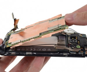 HTC One Gutted for Posterity, But it Wasn't an Easy Task