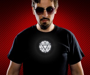 Iron Man T-Shirt with Light-up Arc Reactor: Cotton Man