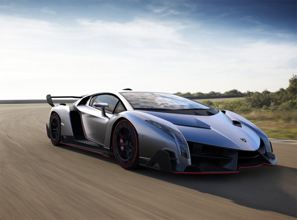 Lamborghini Veneno Supercar: Enough Angles to Please HP Lovecraft