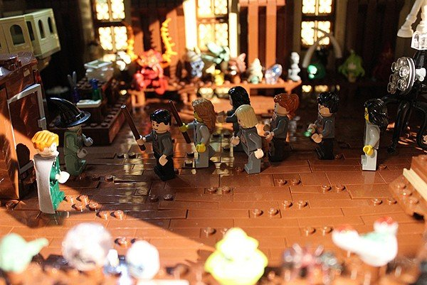 lego-hogwarts-harry-potter-castle-by-alice-finch-5
