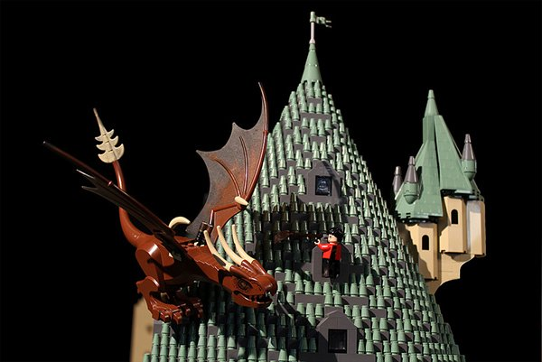 Lego Hogwarts Harry Potter Castle By Alice Finch 7 Technabob