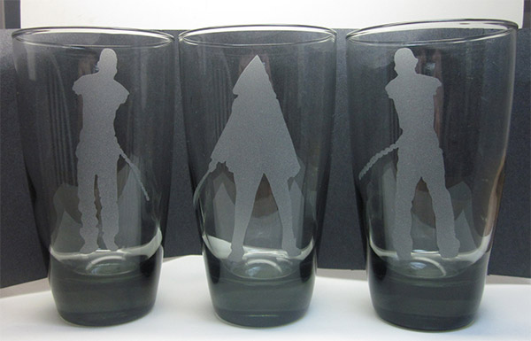 michonne_pets_drinking_glasses