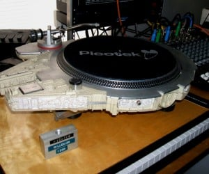 Millenium Falcon Turntable: Wookie Wookie