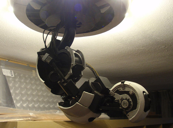 3d printed glados arm lamp killing you and lighting your home aren 39 t mutually exclusive technabob. Black Bedroom Furniture Sets. Home Design Ideas