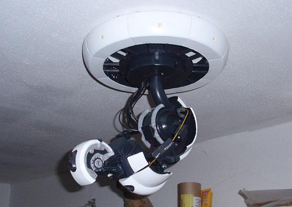 Portal Glados Lamp Portal-glados-arm-lamp-5
