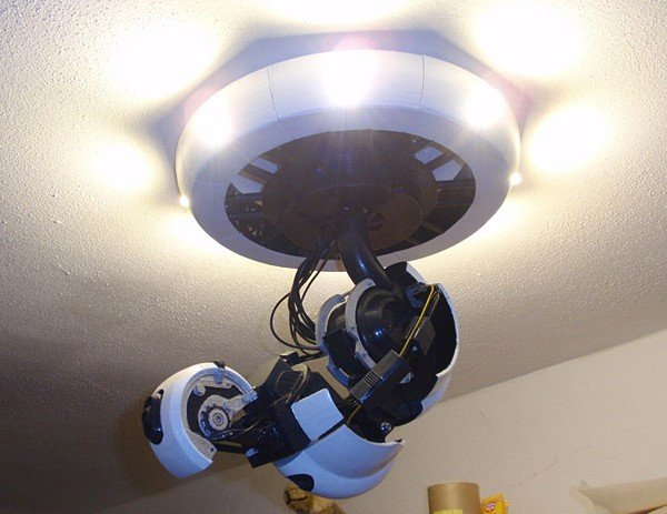 portal-glados-arm-lamp
