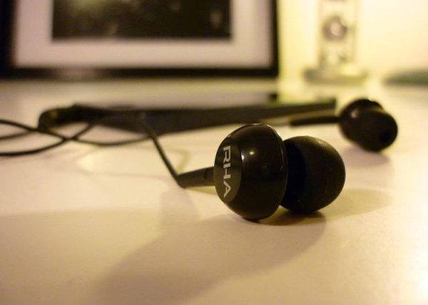 rha ma150 earphones earbuds photo