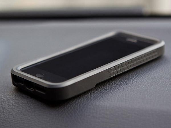 rokform_v3_iphone_5_case_2