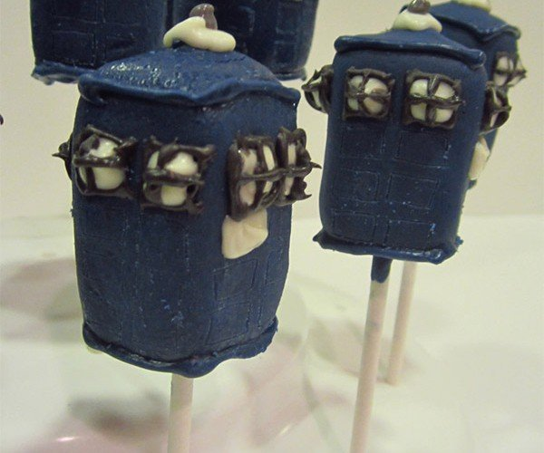 Doctor Who TARDIS Cake Pops: Tasty and Really Delicious InSide