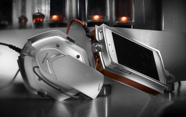V-MODA Vamp Verza Phone Amplifier: The Smartphone Goes Hi-Fi