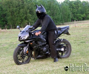 Dark as Night Motorcycle Helmet Brings out the Bat in the Man