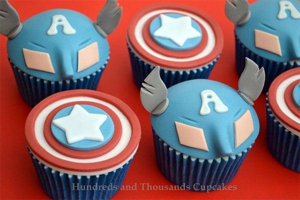 captain_america_cupcakes_1