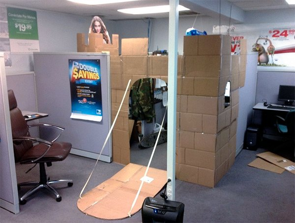 Guy Turns His Cubicle into a Castle, Learns the Princess is in Another One
