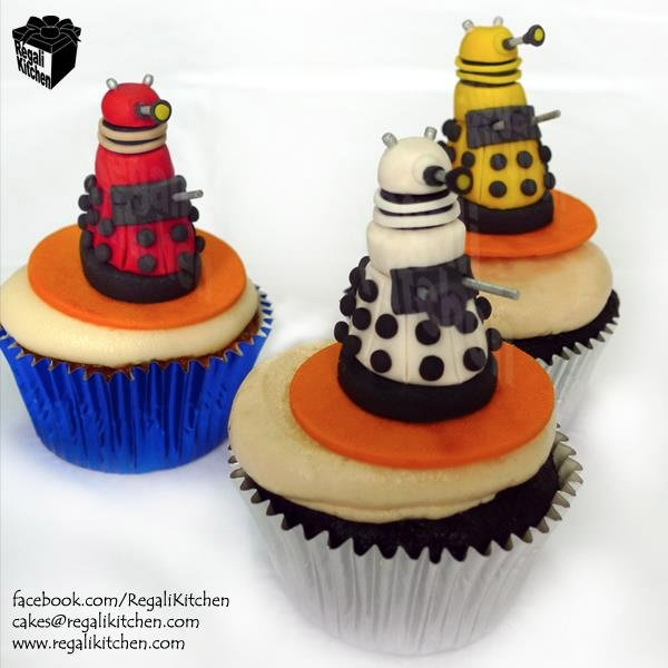 dalek cupcakes 2 Doctor Who Cupcakes and Pandorica Cake: World's Sweetest Prison