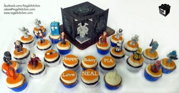Doctor Who Cupcakes and Pandorica Cake: World's Sweetest Prison