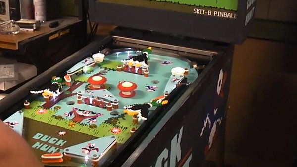 Duck Hunt Pinball Machine is Still Hounded by that Damned Dog