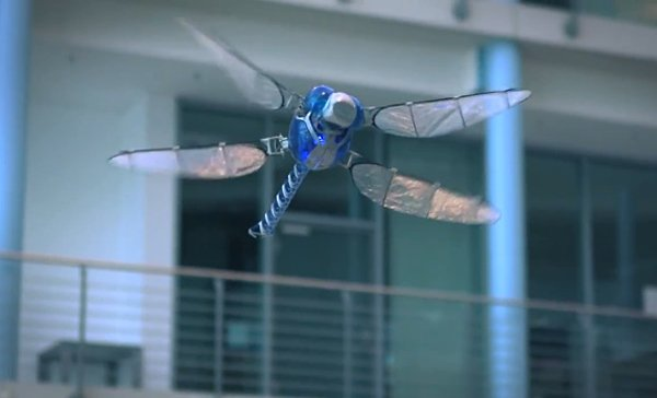 Festo BionicOpter Robot Dragonfly Makes Quadcopters Look Clumsy