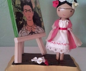 frida kahlo clothespin doll 300x250
