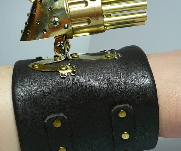 Lady Froggy Steampunk Gatling Gun for Dainty Death Dealing