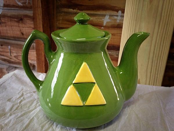 Legend of Zelda Handmade Teapot: A Link to the Pot & Five Cups