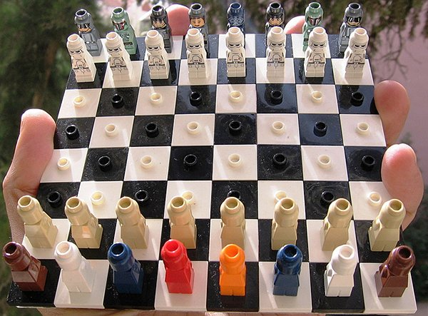 lego-star-wars-micro-chess-set-by-avi-solomon