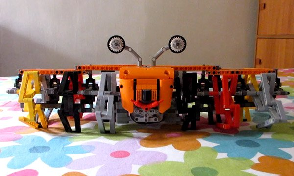 LEGO Strandbeest: Walk Like a Crustacean