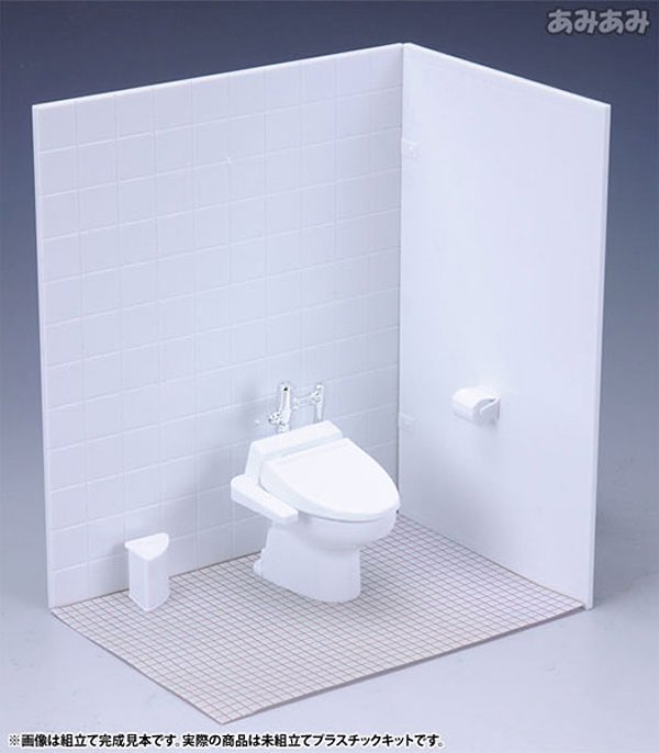 Miniature Restroom for Action Figures: Everyone Poops - Technabob
