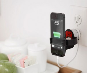 MonkeyOh Helps Charge Your Smartphone and Clears Cord Clutter