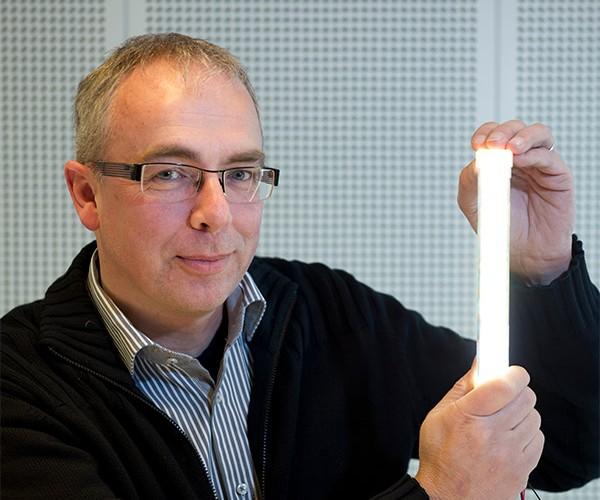 Philips Unveils 200 Lumen-Per-Watt LED Tube Lamp, Cutting Energy Use in Half