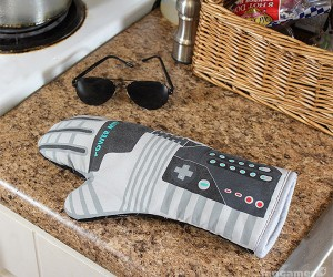 Power Mitt: Everything Else in Your Kitchen Is Child's Play