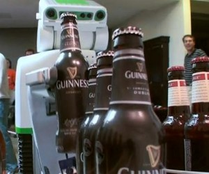 PR2 Robot Now Pours Beer for You, Promises Not to Spill It