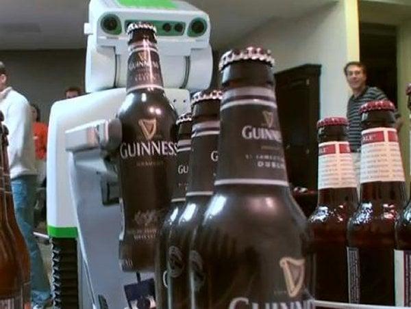 Beer PR2 robot