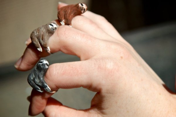 Finger Sloth Ring1