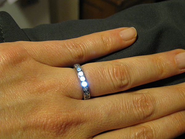 LED-engagement-ring-by-ben-kokes