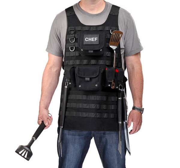 Tactical BBQ Apron: Arm Yourself With Your Arsenal of BBQ Utensils - Technabob