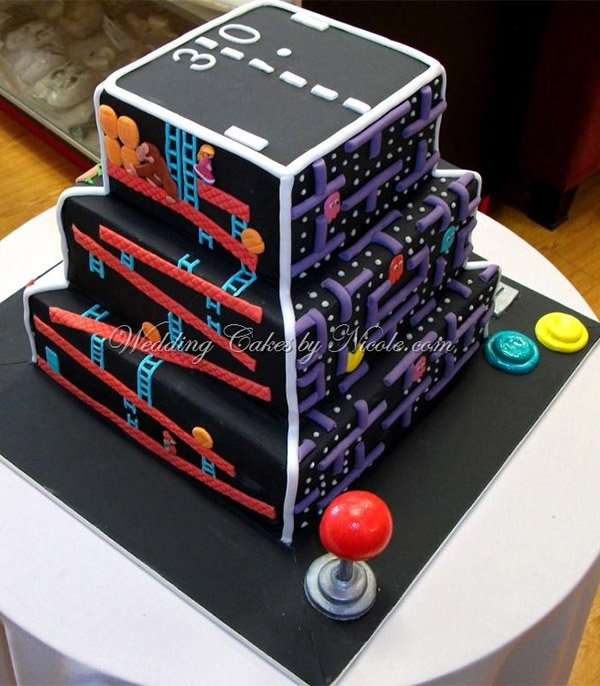 The Ultimate Arcade Game Cake - Technabob