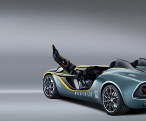 aston martin cc 100 speedster concept back 300x250