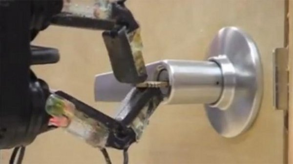 DARPA Shows Robot Hand That Can Do Delicate Work on the Cheap