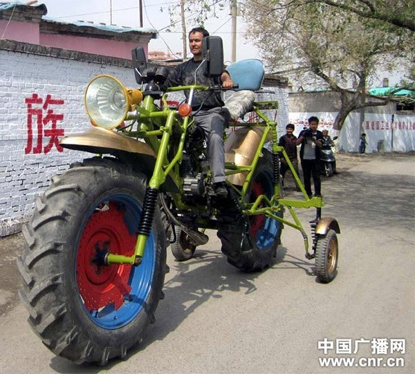 giant_motorcycle_2
