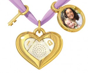 iHeart Locket Isn't the Key to Anyone's Heart, But It's the Key to an iPad Diary App