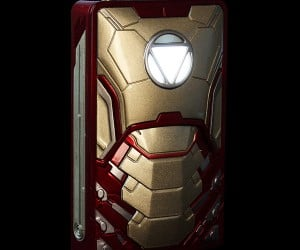Iron Man Gadget Charger: Mark USB Armor