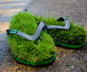 These Flip Flops Make You Feel Like You're Walking on Grass All Day Long