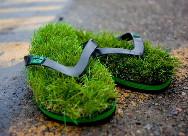 These Flip Flops Make You Feel Like You're Walking on Grass All Day Long - Technabob