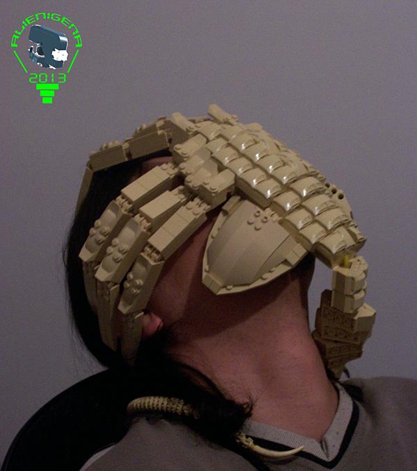lego-alien-facehugger-by-carlos-valero