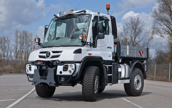 mercedes benz unimog 2014 small photo